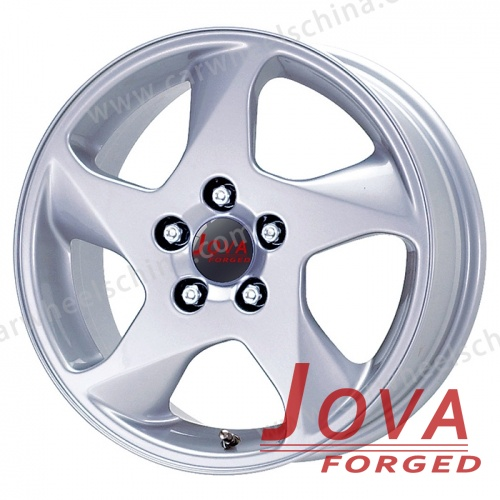Custom made silver car rims with coarse spokes